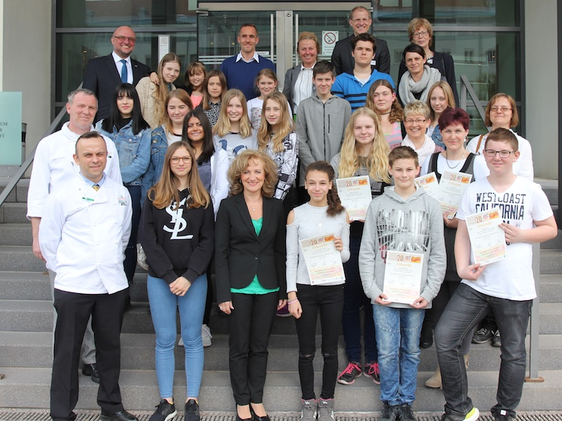 Thüringer Landwirtschaftsministerin zeichnet Schülerkochteams in Erfurt aus.